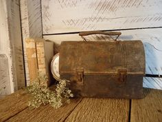 old lunch box... rusty metal, lunch boxes, lunches, metal lunchbox, rustic decor, rusti thing, vintage metal, rusti metal, rusti luck