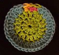 How to fasten off crochet invisibly!