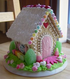 Spring gingerbread house, would be cute for Easter!