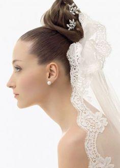 Top bun with veil