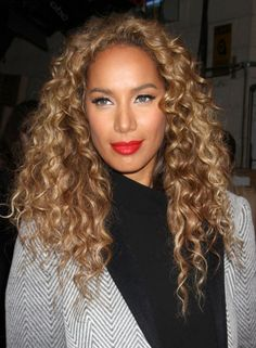 Leona Lewis // big curly hair and red lips