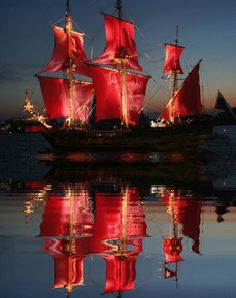 The Scarlet Sails (Russian: Алые паруса.) iSt. Petersburg, Russia.| Reflection. GIF.