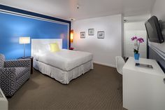 Summer is still here, and so is our Summertime Special! 15% off all Standard Rooms till the end of the month!