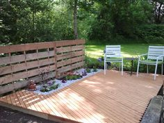 this is a  weekend project Me & My Boyfriend did in our yard. Small and Simple Deck..Made of  Pallets & Strapping..