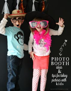 Photo Booth Ideas and tips on taking fun pictures with kids #cartersholiday