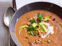 Tomato-Peanut Soup from #FNMag #protein #veggies