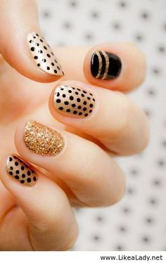 Glitter polka dor nails
