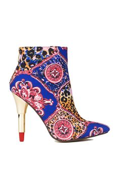Kiss & Tell? Only when wearing these RED KISS Printed Heels   Red Kiss KISS & TELL   AKIRA