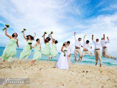 bridesmaid dresses, bridesmaid colors, the bride, green dress, beach, wedding pictures, riviera maya, mint bridesmaid, destination weddings