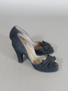 vintage 1940S heel by Delmanette navy blue peep by TwirlVintageCo, $100.00