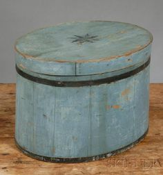 Blue-painted Oval Covered Box with Stenciled Star on Lid, America, mid to late 19th century