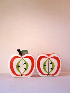 Vintage apple salt and pepper shakers