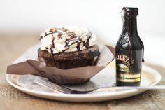 Sprinkle Bakes: Bottoms Up! Irish Cream Hot Fudge Cupcakes
