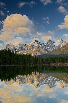 Hebert Lake, Banff NP, Alberta, Canada
