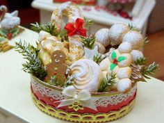 Christmas Bread Basket / Hamper - 12th Scale Miniature Food