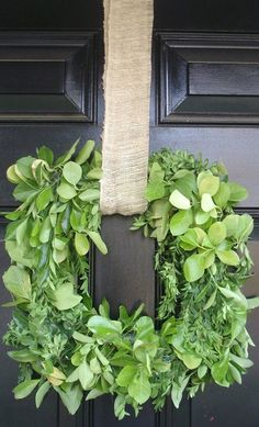green and burlap wreath tutorial