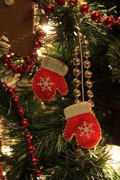 decorazioni per l'albero di natale  in feltro - felt decorations for the christmas tree