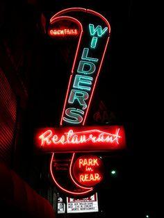 Joplin, MO neon at night