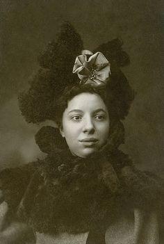 ~+~+ Beautiful African American Woman
