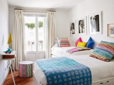 shared bedroom (via Mi Casa) - my ideal home...
