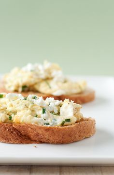 Goat cheese & chive scrambled eggs