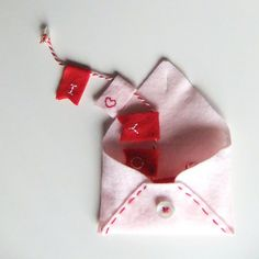 Valentine Felt Card by la.daridari, via Flickr