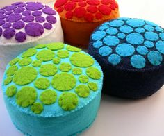 Easy diy felt pincushions...and I have SO much felt.