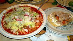 Pozole rojo estilo Jalisco y una tostada de pata de res. Comidas mexicanas #EstoEsMexico #Pozole