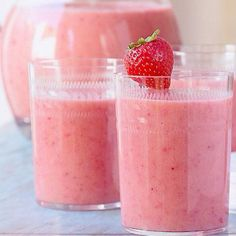 Lauren Conrads 7 Days to skinny Jeans ... Oatmeal Smoothies Ingredients: 1 cup ice. 1/2 cup frozen raspberries or strawberries. 1/2 cup plain lowfat yogurt. 1 banana. 1/2 cup old-fashioned rolled oats. 1 tablespoon honey. 1 cup coconut water (or other liquid, such as juice).