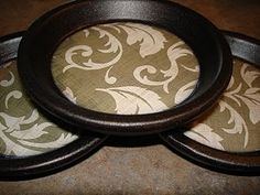 So cute! Coasters made from terracotta pot bases... Smart. Better than tiles, the water can't drip off the edge this way.