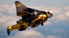 Jetman soars above US in first public flight