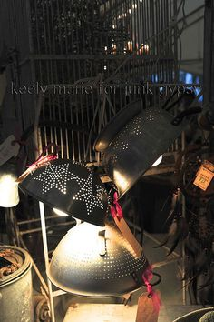 DIY: easy lamps out of fleamarket collanders