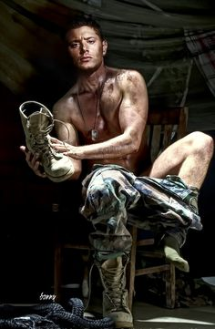 holy cow. Jensen Ackles. Dean Winchester. Hottie. Sexy. Camo. Chest. Wow.