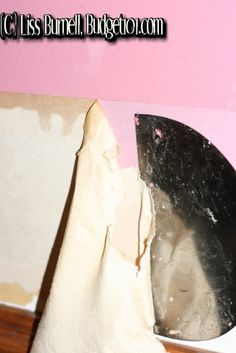 DIY- How to Remove Wallpaper