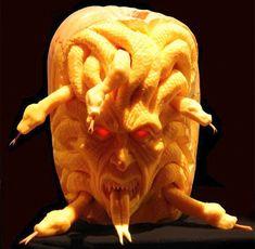 Scary Halloween Pumpkin Carvings   Scary Halloween Pumpkin Carvings   LUUUX
