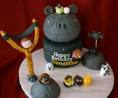 Angry Birds Star Wars cake by flordelynt