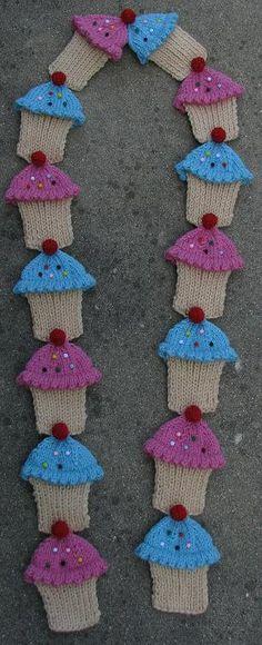 Cupcake scarf - want!