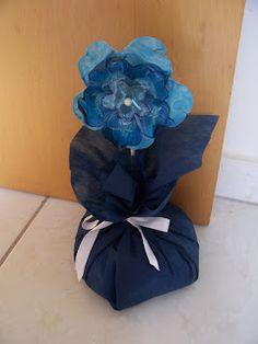 Passo a passo Peso de porta de flor de garrafa pet Pet ~ Sherol Vinhas - A sustentabilidade transformando a arte.