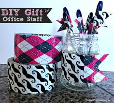 Back to School | Teacher or Office Staff Gift | diy pen flags | TodaysCreativeBlog.net