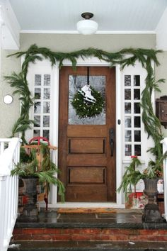Christmas porch decorating ideas - love the vintage finds eclecticallyvintage.com