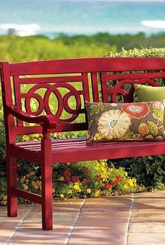 The Amalfi Bench adds a classic place to sit in your outdoor space; bask in the sun, or relax in the shade.