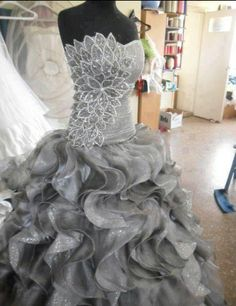This has got to be the prettiest dress I have ever seen...