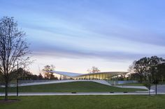 Novartis Campus in Hanover, New Jersey / Weiss/Manfredi