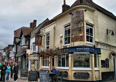 Pub crawling in Canterbury! | The Cricketers - Repost from Larigan
