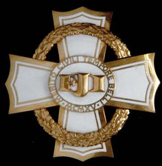 The War Cross for Civil Merit 1915, First Class breast badge.