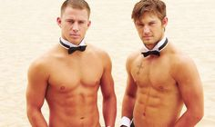 gosh alex pettyfer and channing tatum, how do you even begin to go through the airports with those abs of steel?