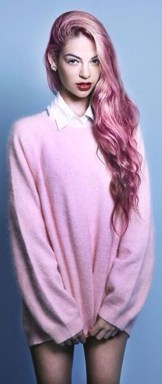 In Pink Mood ♡ pink hair and large over size sweater