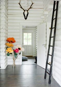 ladder, antler, flower bouquets, white walls, log cabins, paper flowers, hous, poppi, entryway