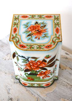 Vintage Lidded Decorative Tin
