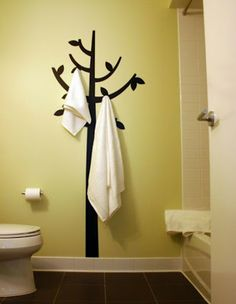 Airplane Food Critic: She's Crafty - Putting A Tree In The Bathroom